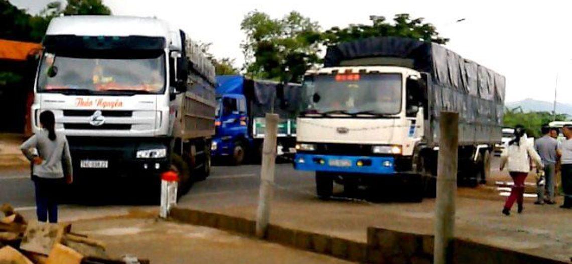 QL9 xã Tân Thành mất an toàn giao thông vì trạm cân