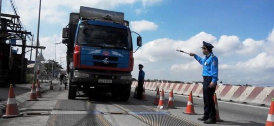 Làm rõ việc bảo kê xe quá tải