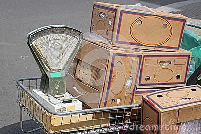 Can-hang-hoa-scale-vintage-market-1