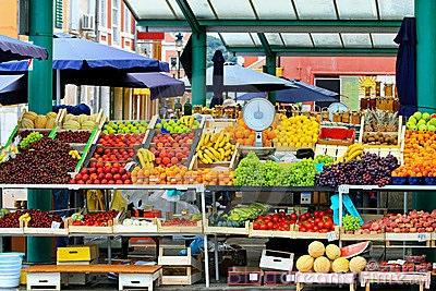Can-thuc-pham-ban-hang-local-market-4