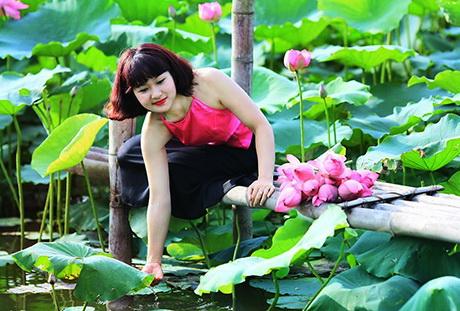 thieu-nu-xinh-dep-hoasenvang.com.vn