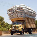 Phạt doanh nghiệp 126 triệu đồng vì để tài xế chở quá tải