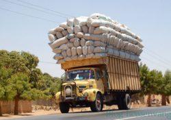 Hung thần trên quốc lộ – xe quá tải trọng